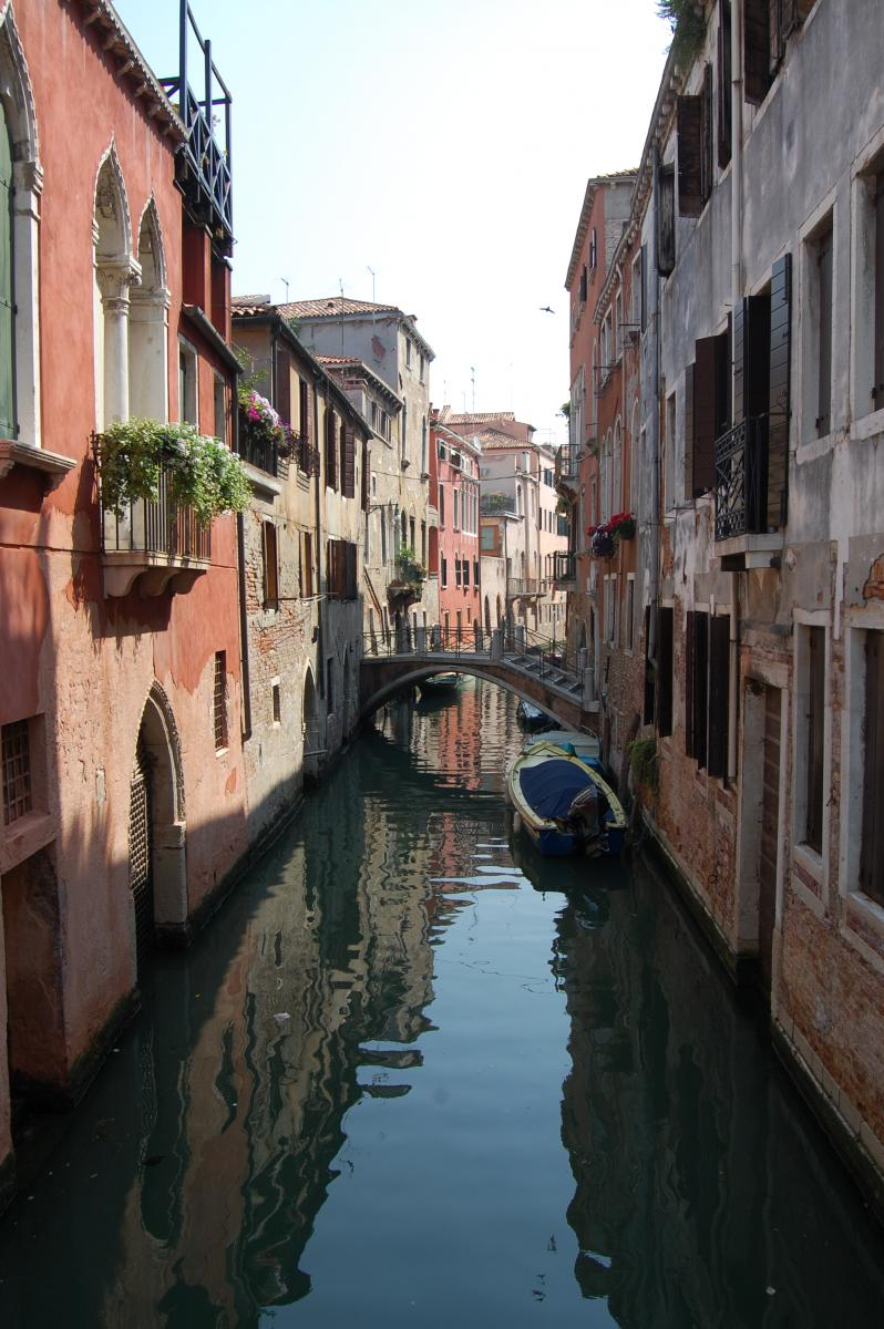 Venezia - one of many small canals