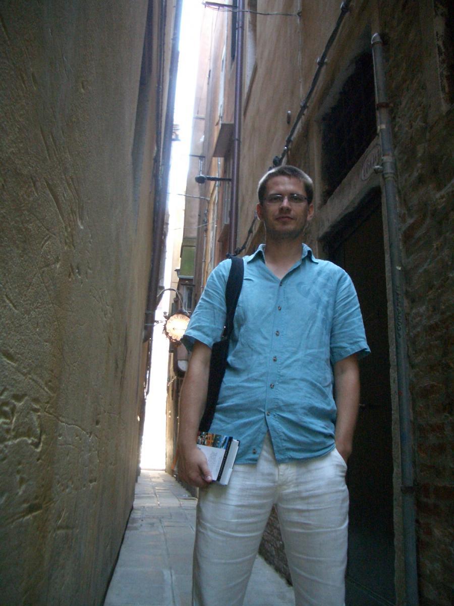 Venezia - some streets can get really narrow :-)