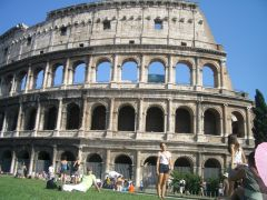 Roma - Colosseo (time to relax)