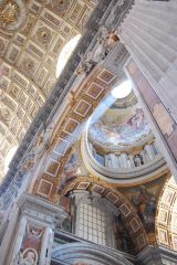 Vaticano - Basilica Papale di San Pietro (ray of divine light)