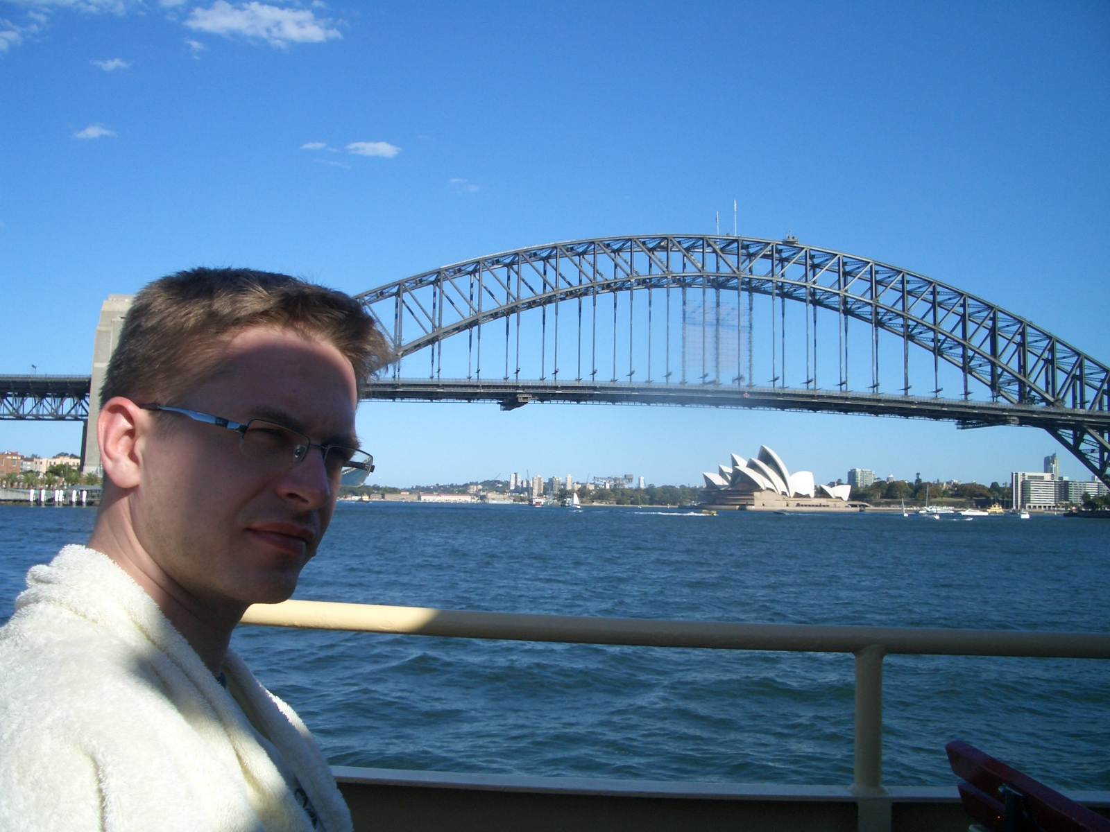 Sydney - Harbour Bridge and Opera House (ferry view)